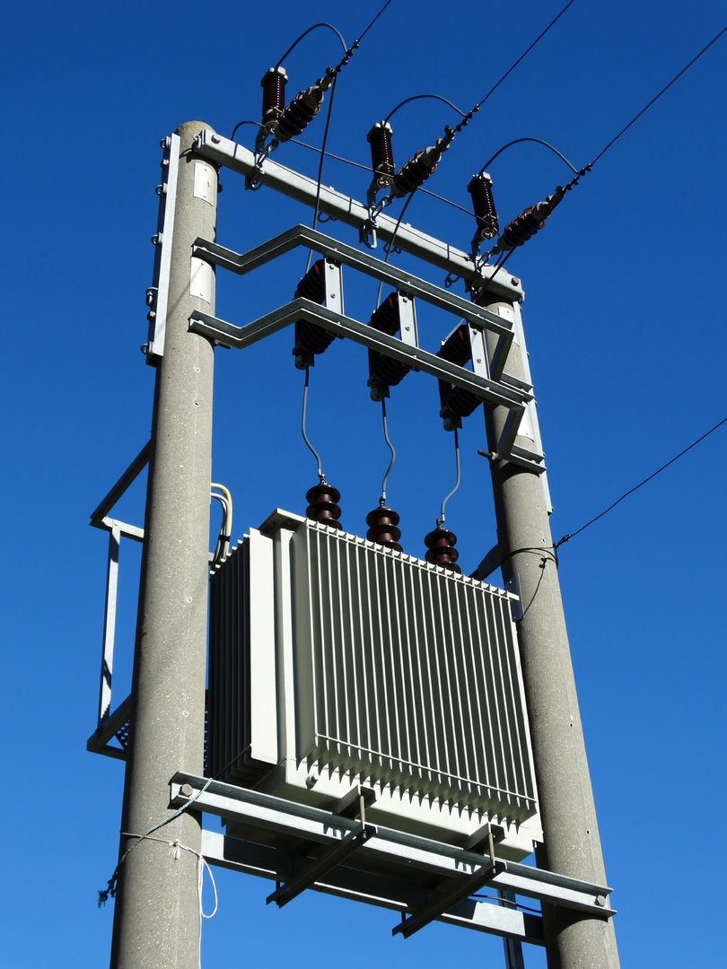 transformator, elektrotechnika, energetyka, prąd