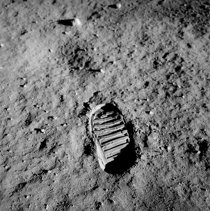 Loty załogowe na Księżyc, ślad stopy na Księżycu, Apollo 11, NASA