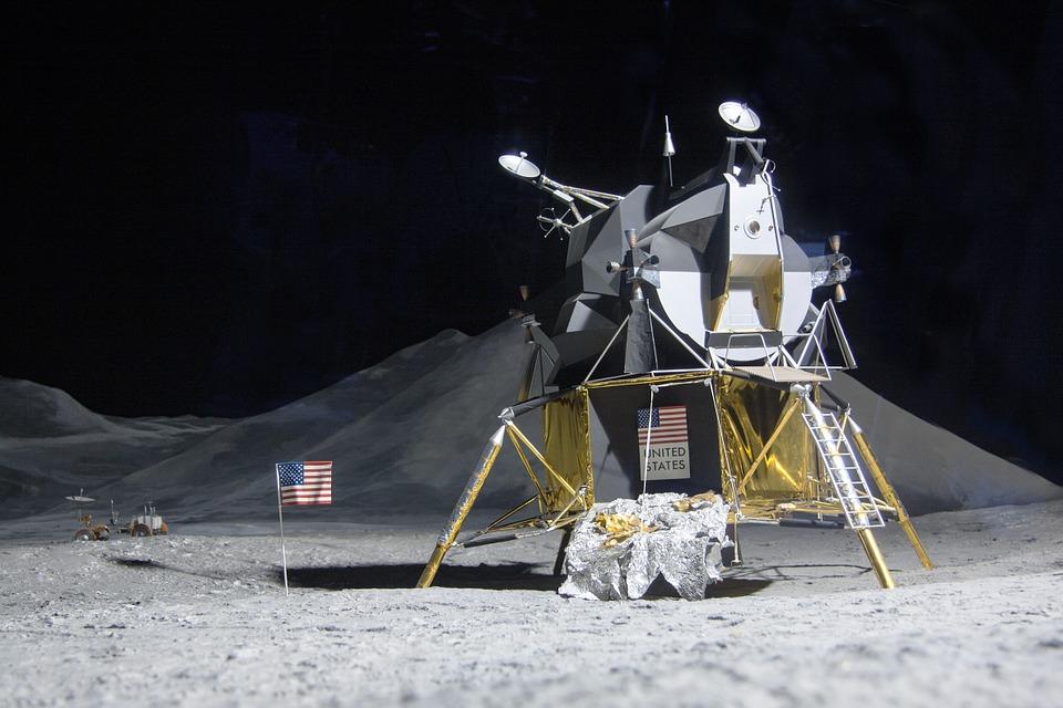 Loty załogowe na Księżyc, Księżyc, stacja księżycowa, NASA