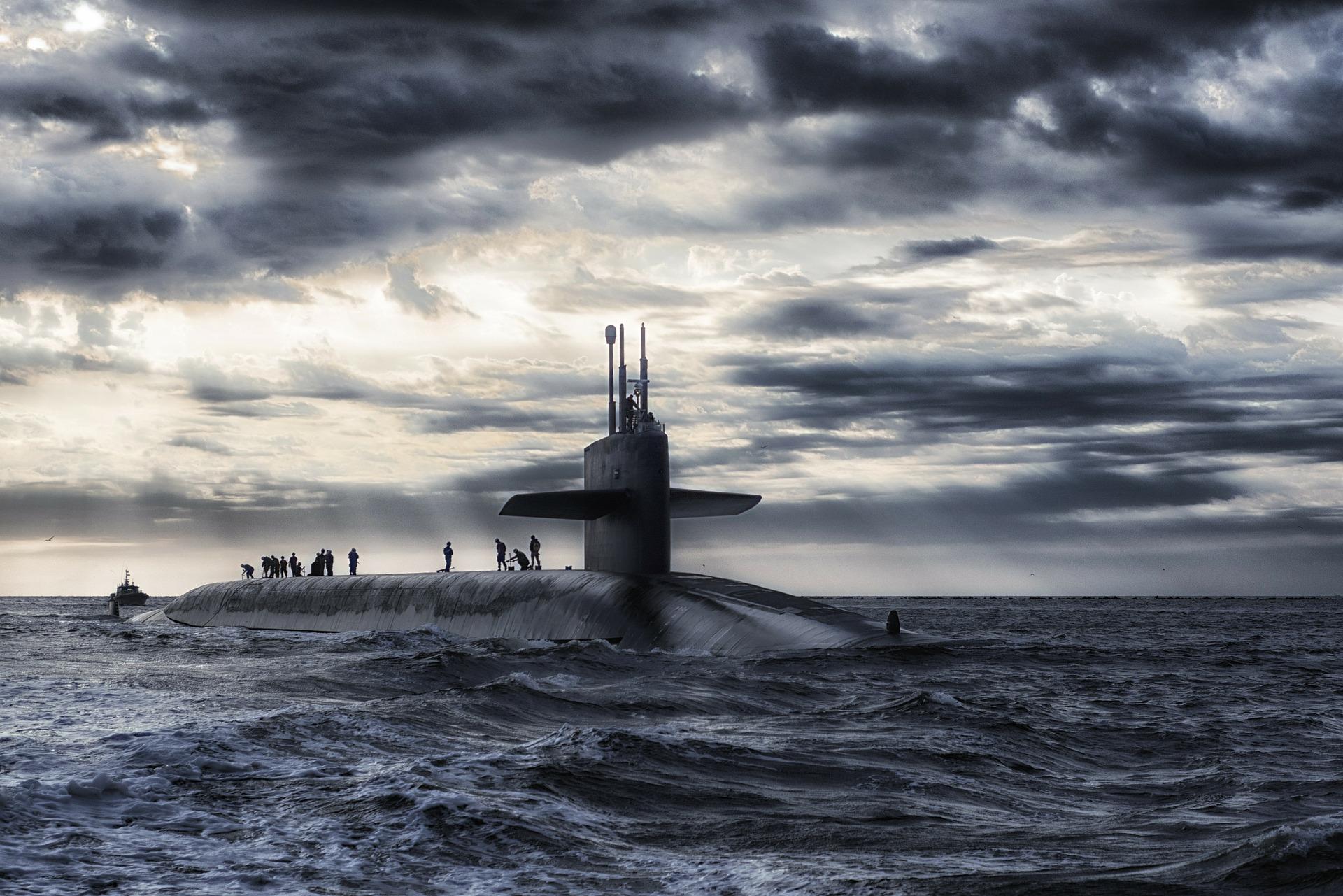 siła wyporu, wypór hydrostatyczny, łódź podwodna