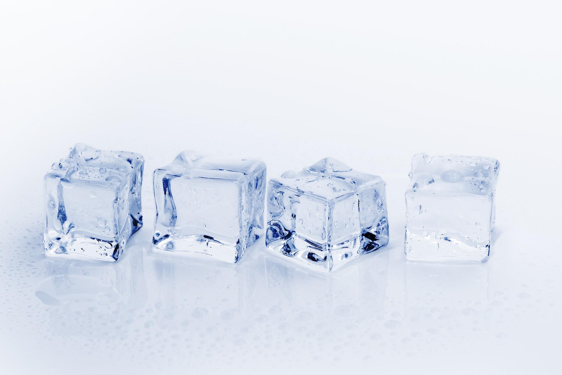 woda, lód, kostki lodu, właściwości substancji